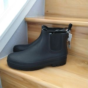 Universal Thread black rainboots size 10